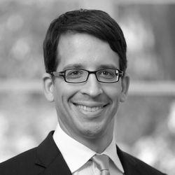 Dr. Rafael Adamczuk